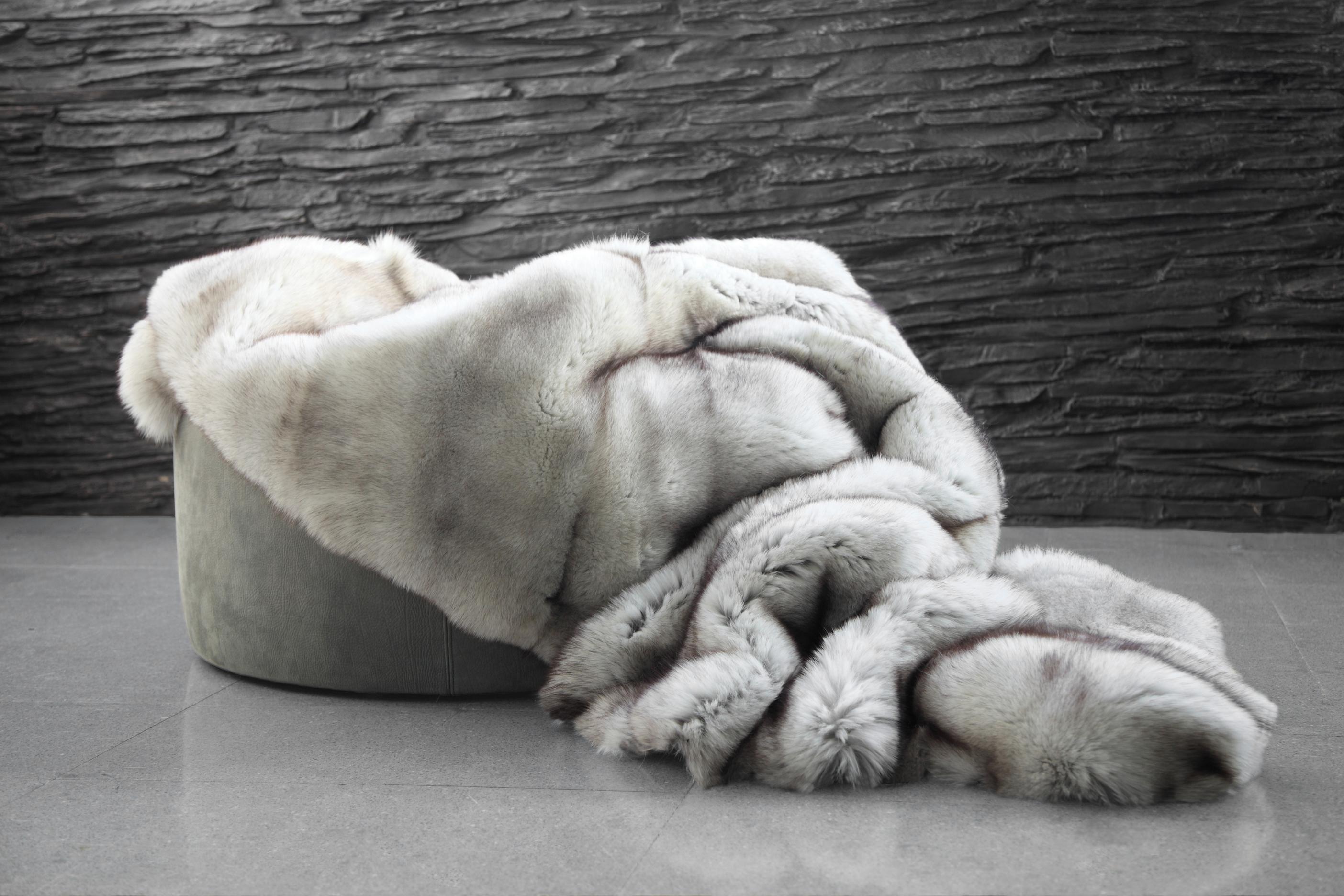 Skandinavian Blue Fox Fur Blanket